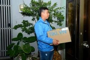 Thùng giấy carton logo Tiki.vn