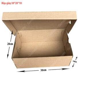 hop giay carton size 30x20x10 cm 300x300 - Hộp giấy carton đựng giày(KT:30x20x10)-(SL:100 Thùng)